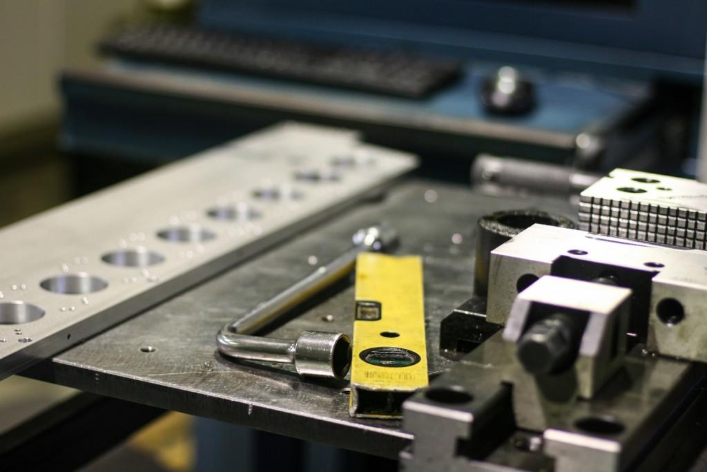 maquinaria ajuste piezas mecanizadas